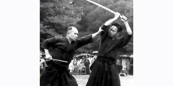 jutte vs sword