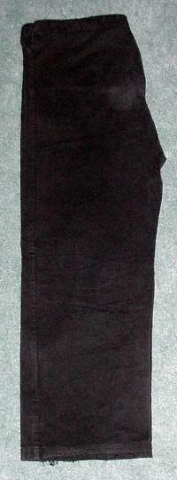 Folding the Gi: pants folded in half