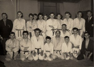 Bell, Michael Manning, Brian Hammond and others attend a seminar with Kenshiro Abbe