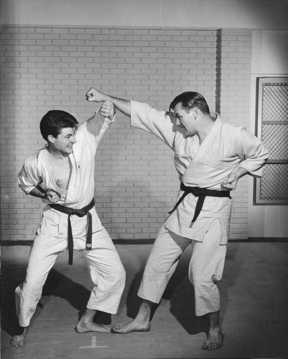Tegner-teaching-his-student-Ricky-Nelson-740